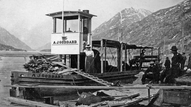 The Klondike steamship A.J. Goddard, in 1898. It sank in Lake Laberge in 1901.