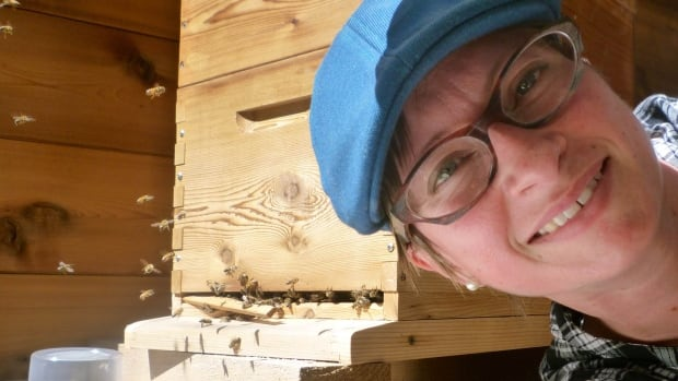Sarah Wallbank, who lives just outside Nanaimo, B.C., set up a beehive on her patio in April. In July, she began notice some strange behaviour from some of her bees.