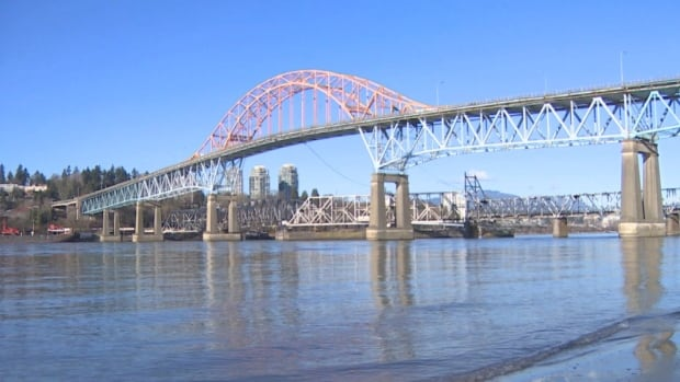 The 79-year-old Pattullo Bridge does not meet modern wind or seismic standards, a TransLink report has found.
