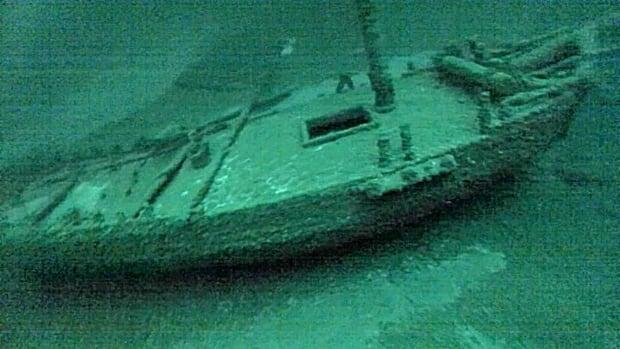 Lake Ontario-Sloop Shipwreck
