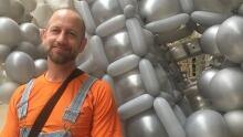 Sean Rooney balloon artist