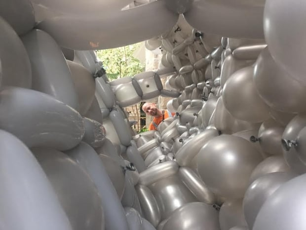 Sean Rooney balloon rhino