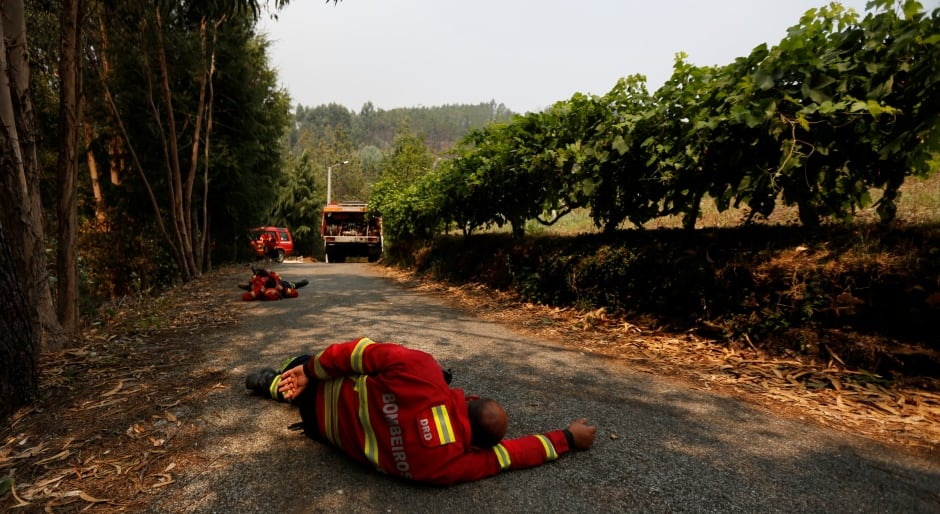 PORTUGAL WILDFIRES Firefighters sleep forest fire Agueda