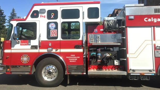 Man seriously injured in trailer fire in northeast Calgary