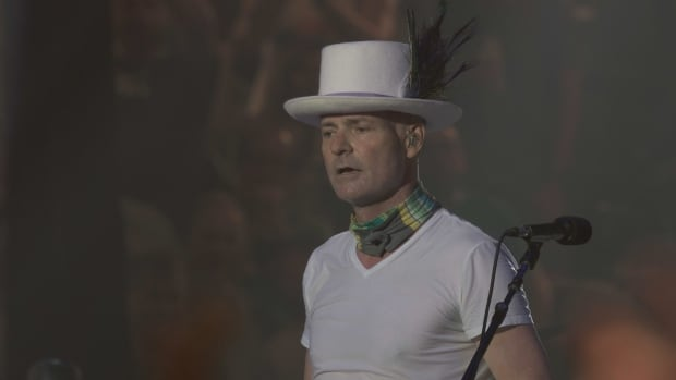 Gord Downie's remarks to the crowd included an exhortation to Prime Minister Justin Trudeau, who attended.