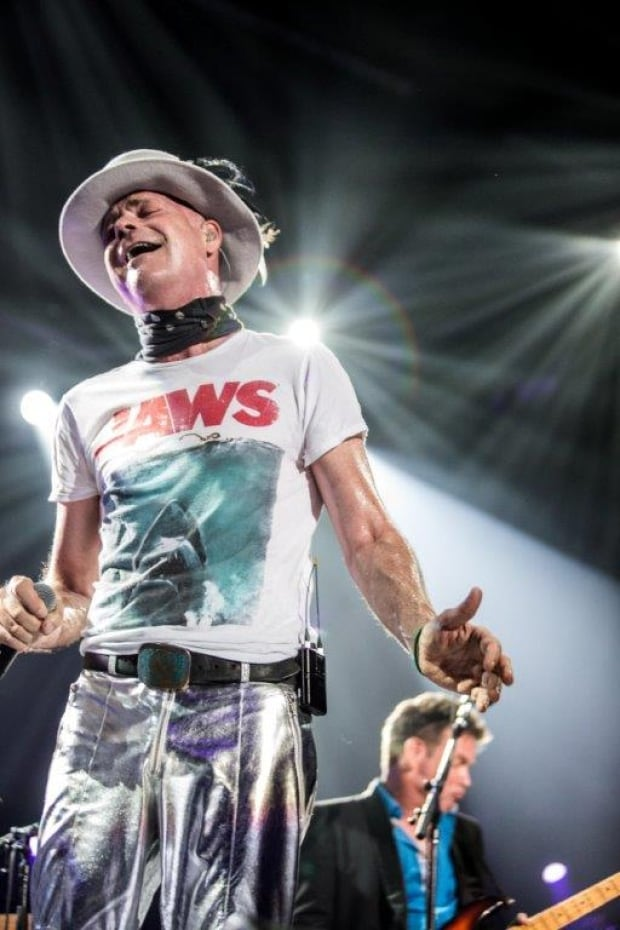tragically-hip-frontman-gord-downie.jpg