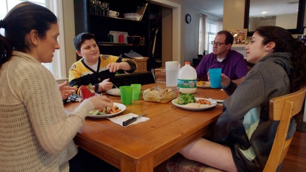 Avoid diet and weight talk around teens: pediatricians to parents