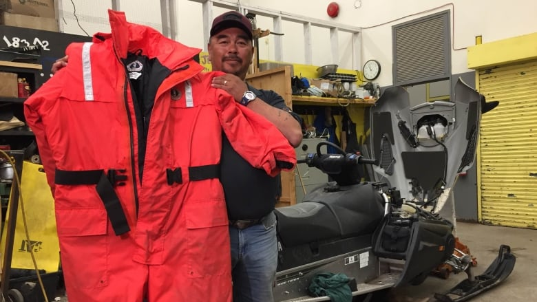 It Made A Huge Difference When We Went Into The Water Says Iqaluits Pitseolak Alainga Sima Sahar Zerehi Cbc