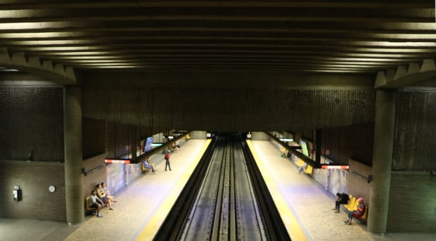 architectours pie-ix metro platform
