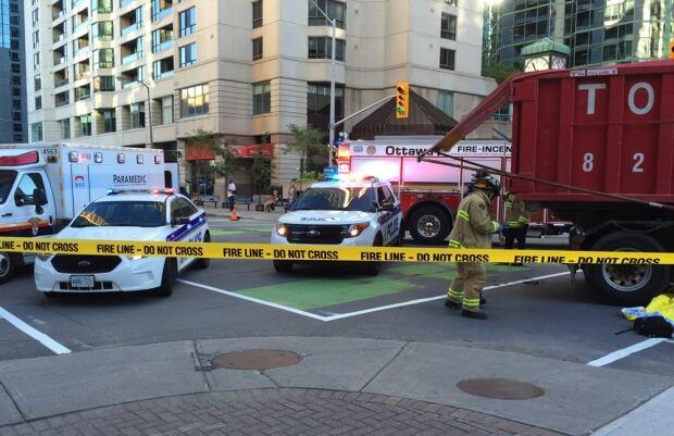 Lyon Laurier crash Ottawa Sept 1 2016