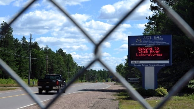 Canadian Nuclear Laboratories, which runs the Chalk River Laboratories nuclear facility, will temporarily take over fire services for Deep River, Ont.