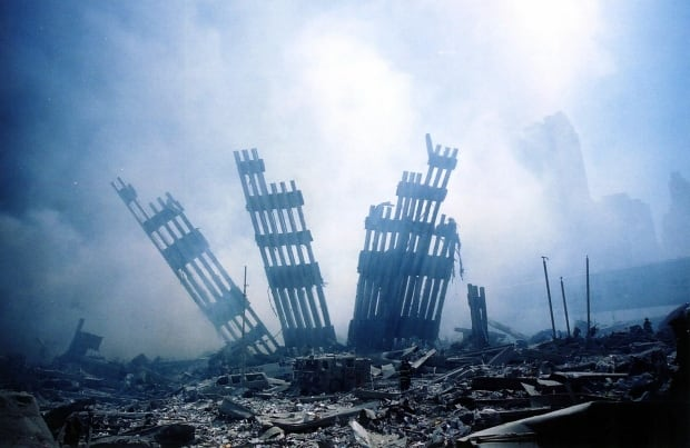 9-11 world trade center rubble Sept 2001 Par351817