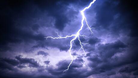272185115 lightning