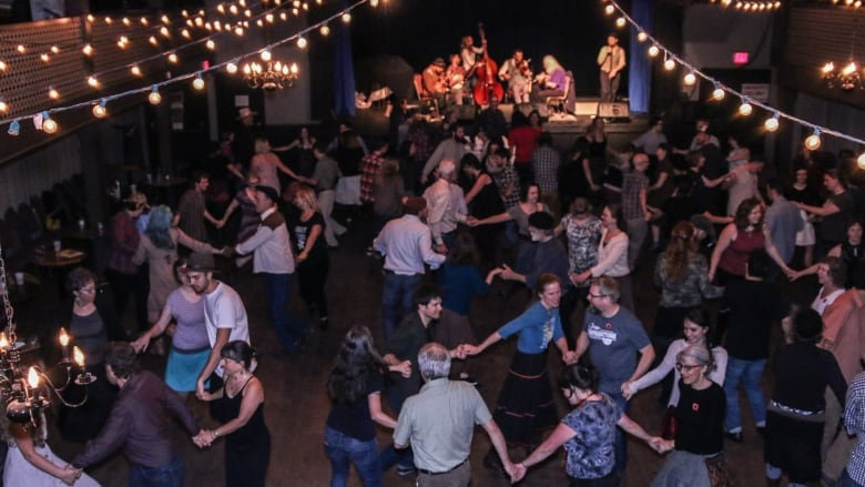 squaredance1