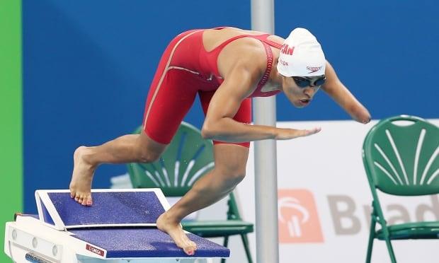 Katarina Roxon wins gold