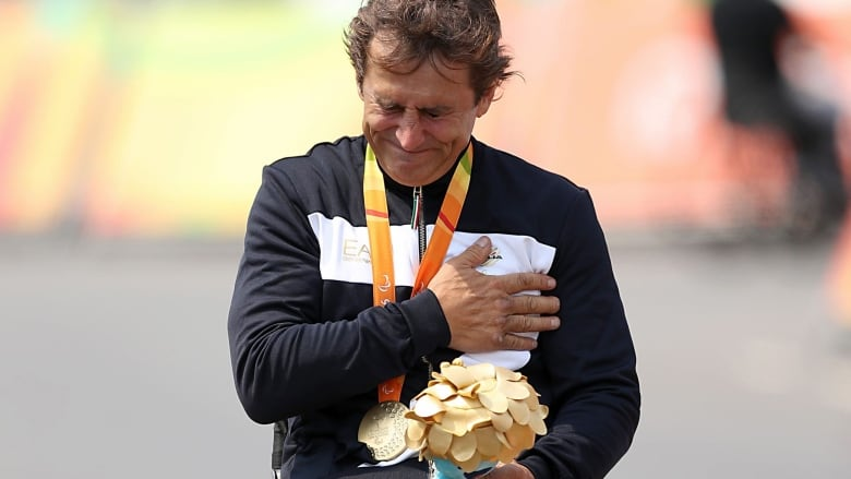 Ex-CART driver Alex Zanardi wins Paralympic gold 15 years