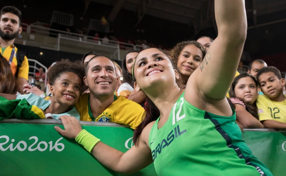 Paralympics-Fans-Selfie-Brazil