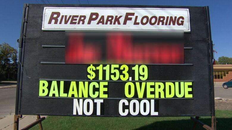 Winnipeg Flooring Company Shames Customer On Sign For Unpaid Bill