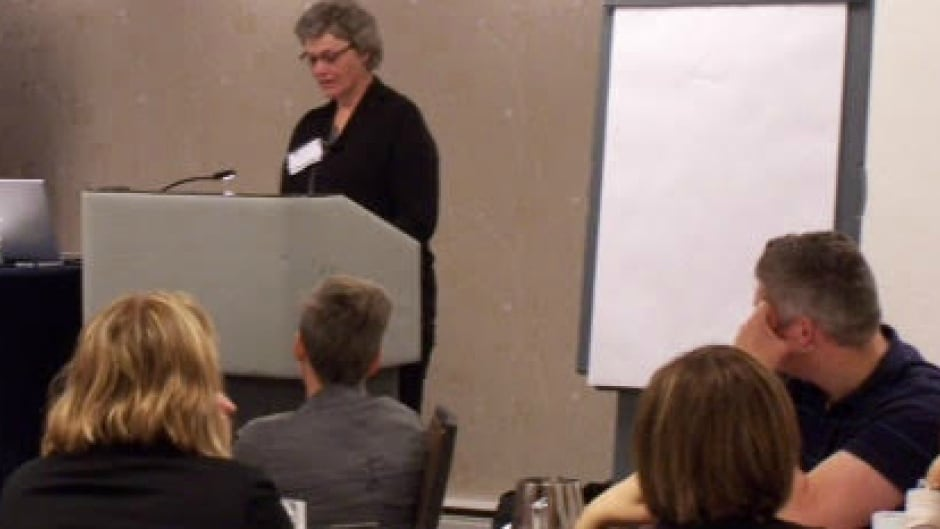 Donna Penner, who woke up during surgery, shares her experience with medical students in Manitoba.