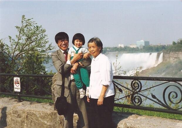 Ti-Anna Wang father