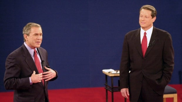 george bush and al gore in the 2000 elections In the 2000 election between republican candidate george w bush and democrat candidate al gore, florida reported that bush had won the state by 1,784 votes.