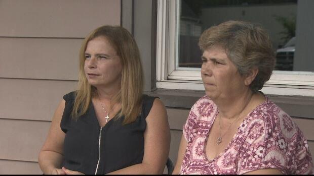 Wendy Gillis, Helen MacLeod