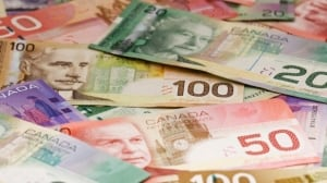 Quebec minimum wage to go up to $11.25