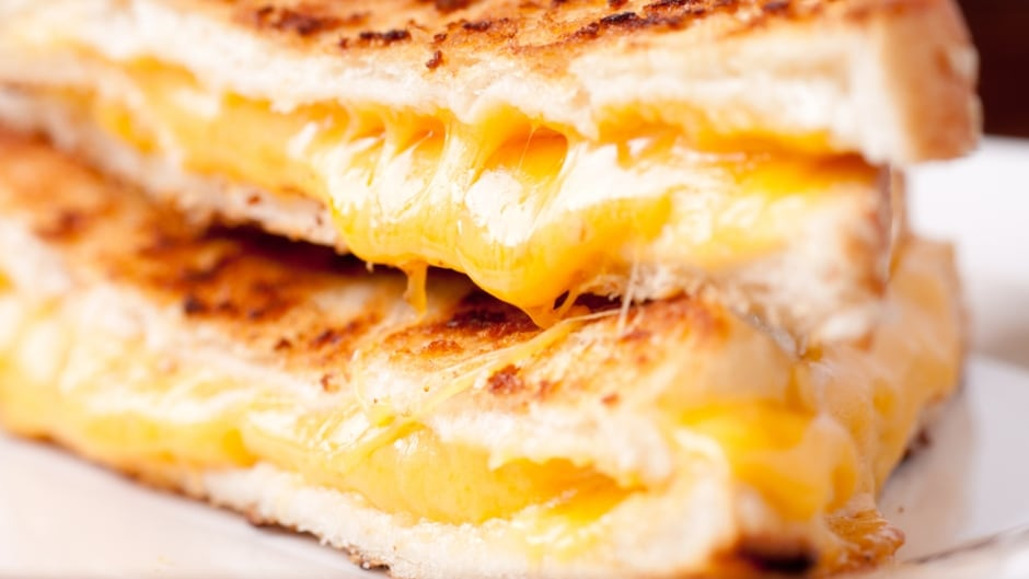 """Grilled cheese"" is now acceptable on menus across Québec."