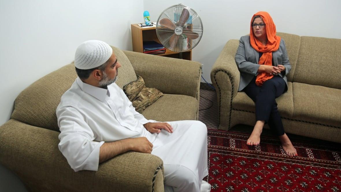 soles hijab