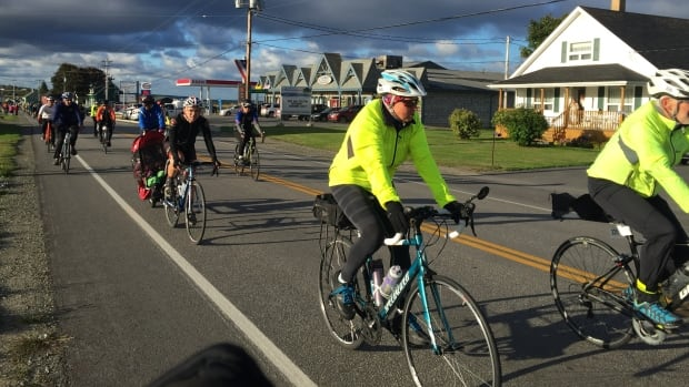 More than 800 cyclists took part in the second Gran Fondo Baie Sainte-Marie.