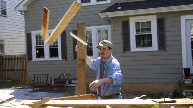 New home prices see biggest monthly jump in 3 years as lumber prices soar