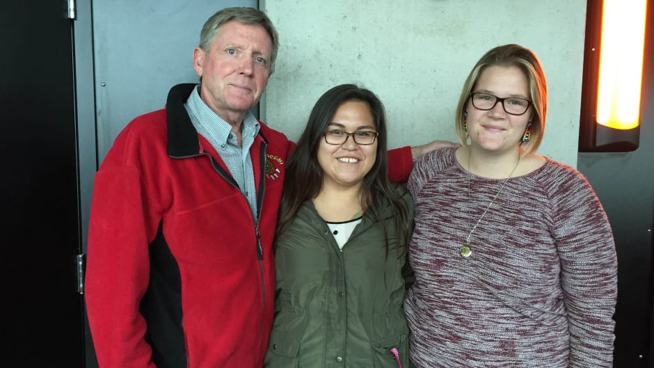 Robert Robson, left, the current chair of the Department of Indigenous Learning at Lakehead University, stands with students Kayla Tanner, middle, and Jenna Carew.