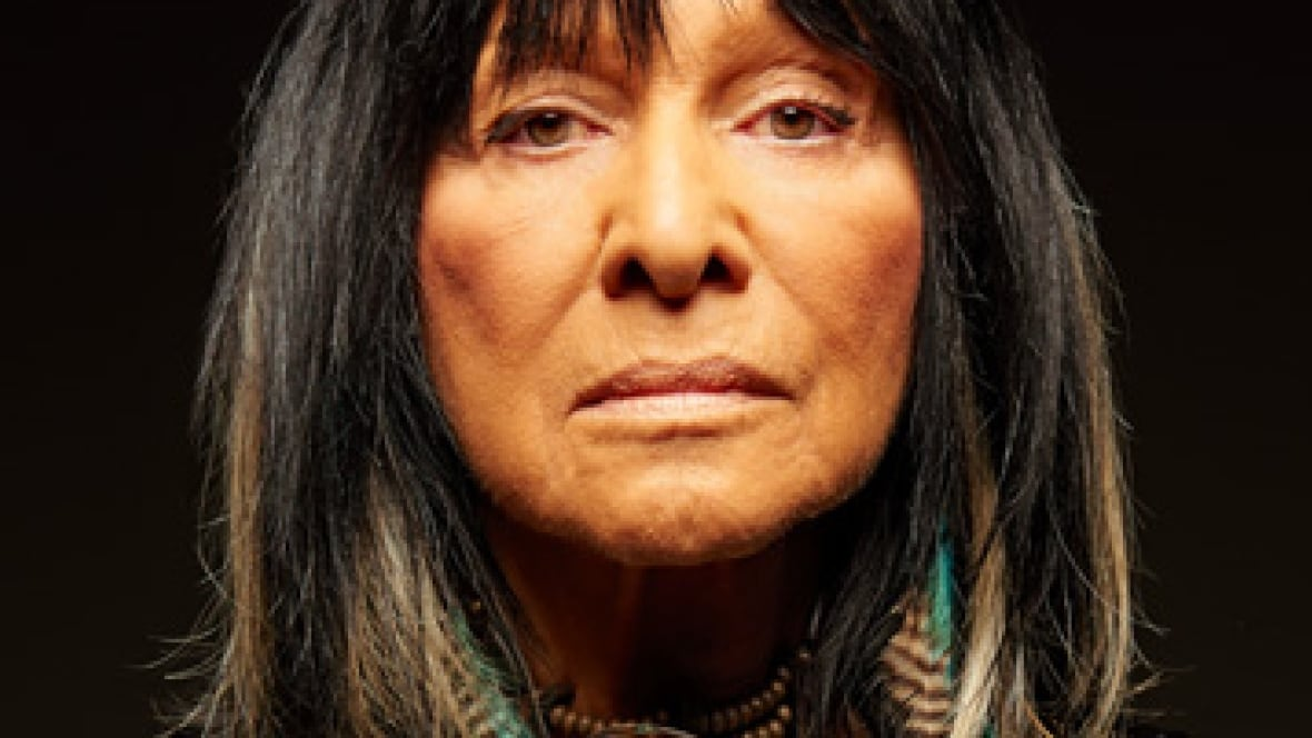 Buffy Sainte-Marie to be recognized for humanitarian efforts