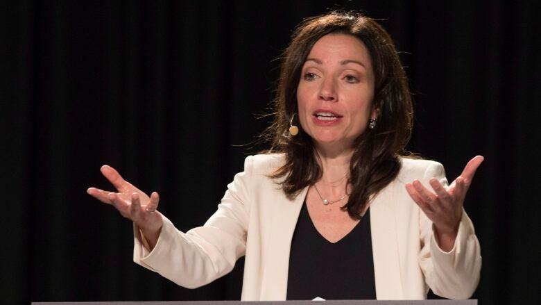 Bloc Québécois Mps Openly Criticize Party Leader Martine