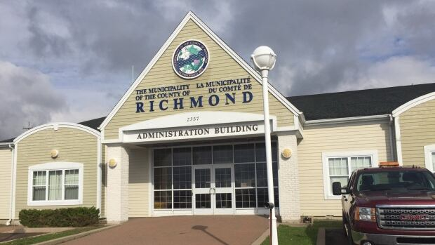 0909e24b1d84 Councillors voted 3-2 to terminate the contract of Kent MacIntyre. CBC  News. Richmond County ...