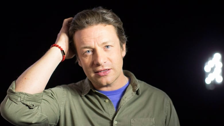 super popular eaf72 bea03 Jamie Oliver stands by paella recipe mocked as an ...