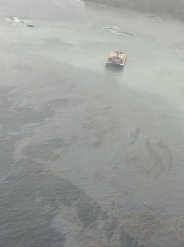 Tug spills fuel