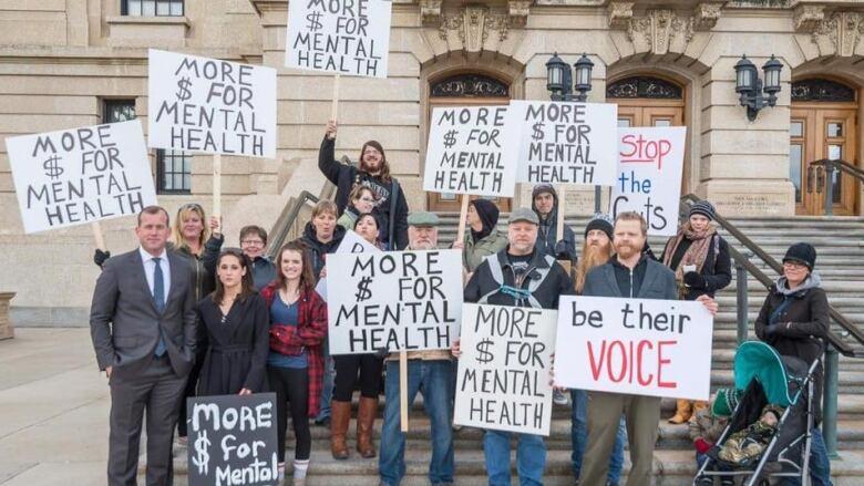 'I was desperate': Sask. men say mental health system ...