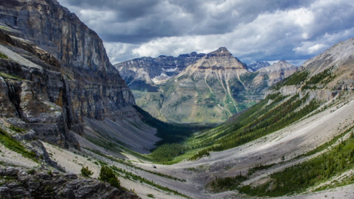 Group lobbies for cell service in Kootenay National Park