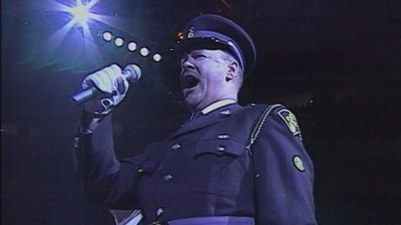 Former Sens anthem singer Lindon Slewidge makes his return