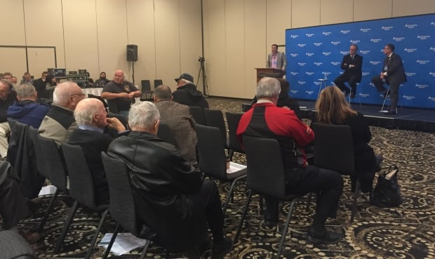 100 people turn up at Manitoba Hydro public meeting