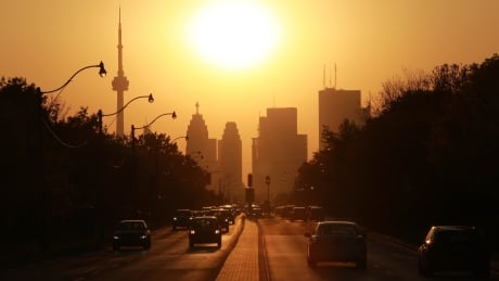 Toronto sunset skyline weather