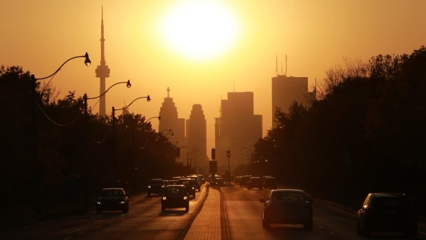 Big cities, such as Toronto, could see their costs increase by more than double as they try to keep residents cool with warming temperatures in the face of climate change, according to a new report.