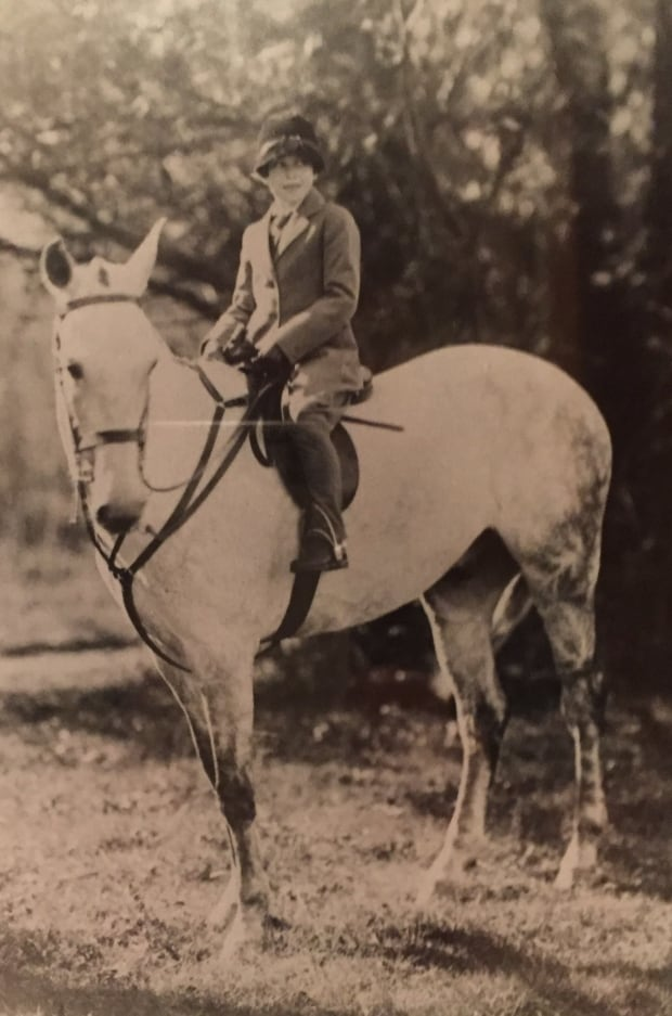 dinnie in 1927, 7 years old