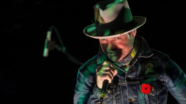 Gord Downie performs on stage in Toronto, on Friday Oct. 21, 2016.