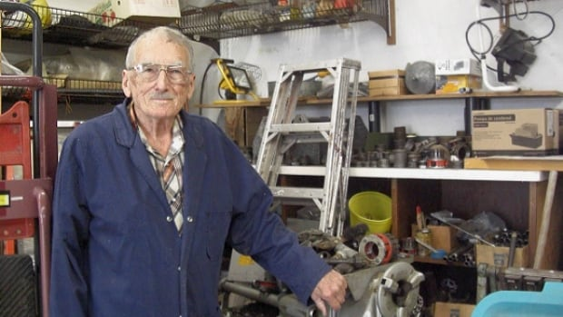 Saskatoon plumber Lorne Figley has been confirmed as the world's oldest plumber.