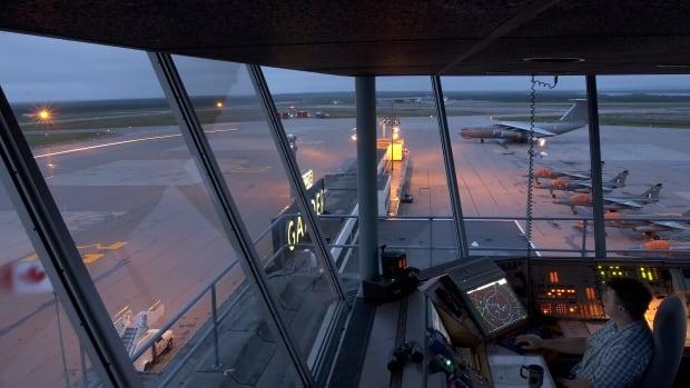 Nav Canada pulls back job losses for 27 Gander air traffic controllers | CBC News