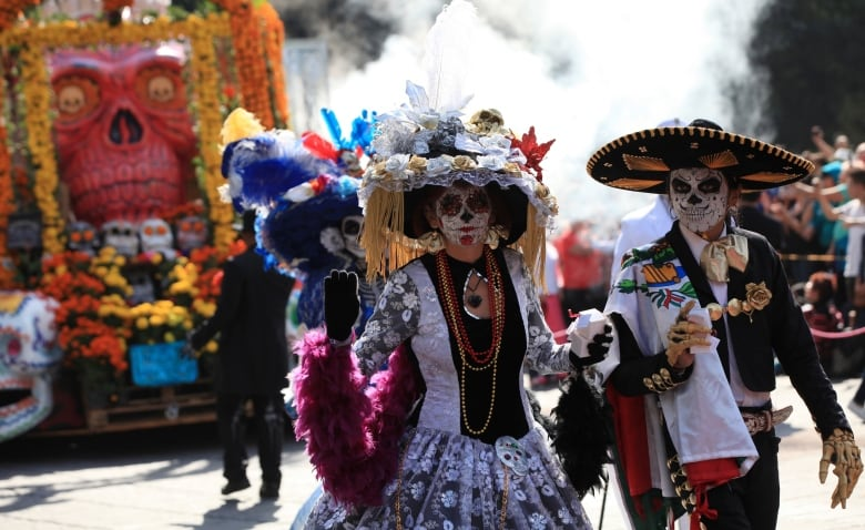 mexico citys first day of the dead parade