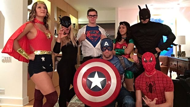 talk about squad goals canadian diver meagan benfeito as robin and her friends - Heroes Halloween Costumes