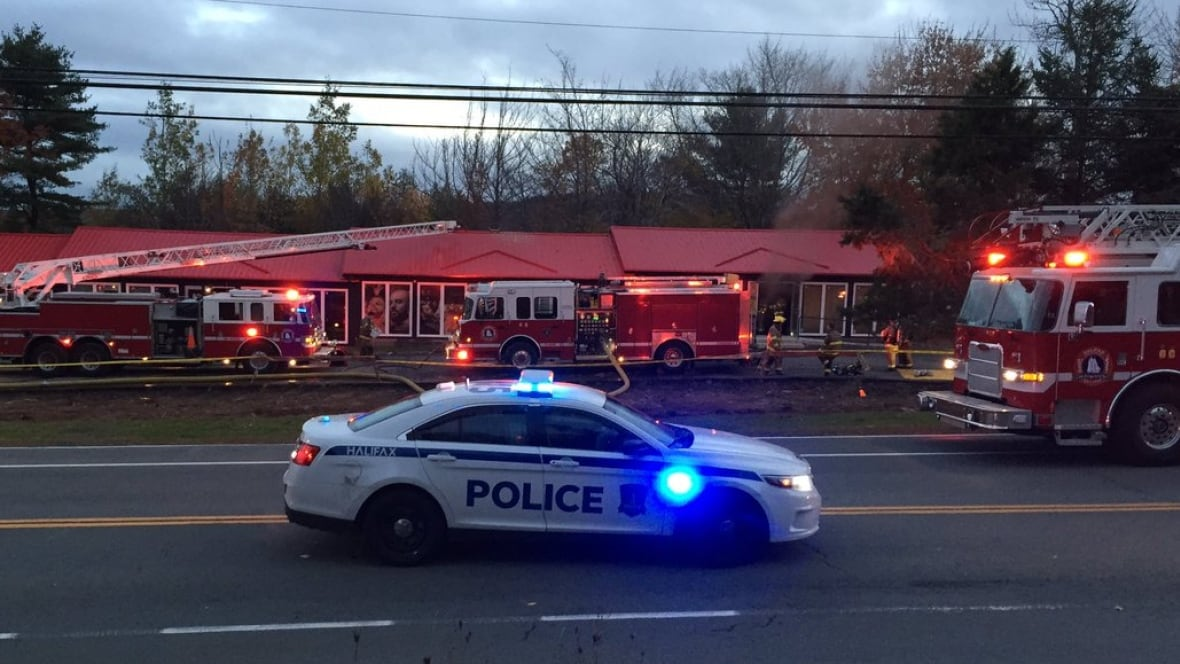 Bedford Highway reopened after building fire - Nova Scotia - CBC ... - CBC.ca
